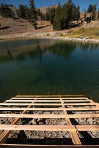 Samotné jezero taková hrozba nebylo. Ovšem kombinace ledové vody a studeného větru byla pro mnohé smrtící.
