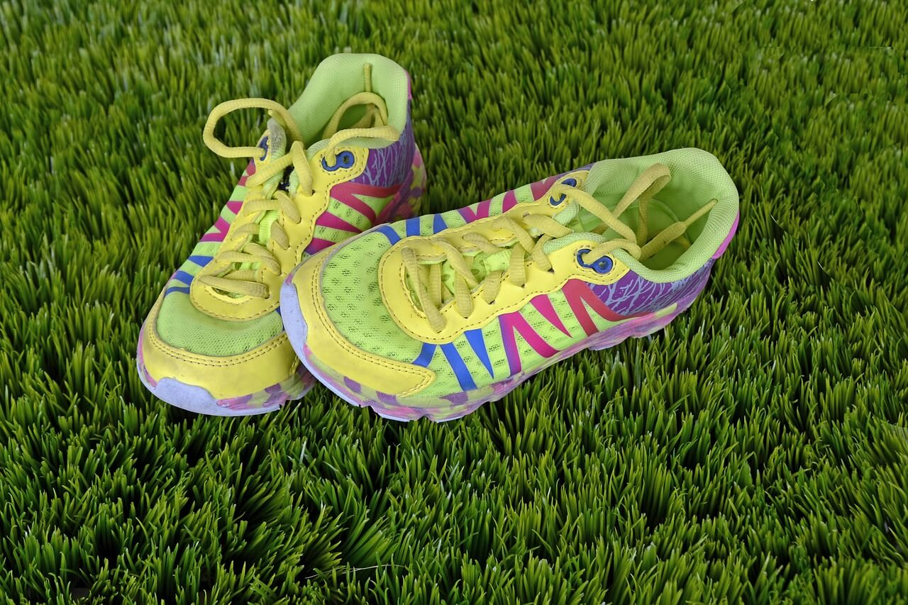 running-shoes-1428048_1280