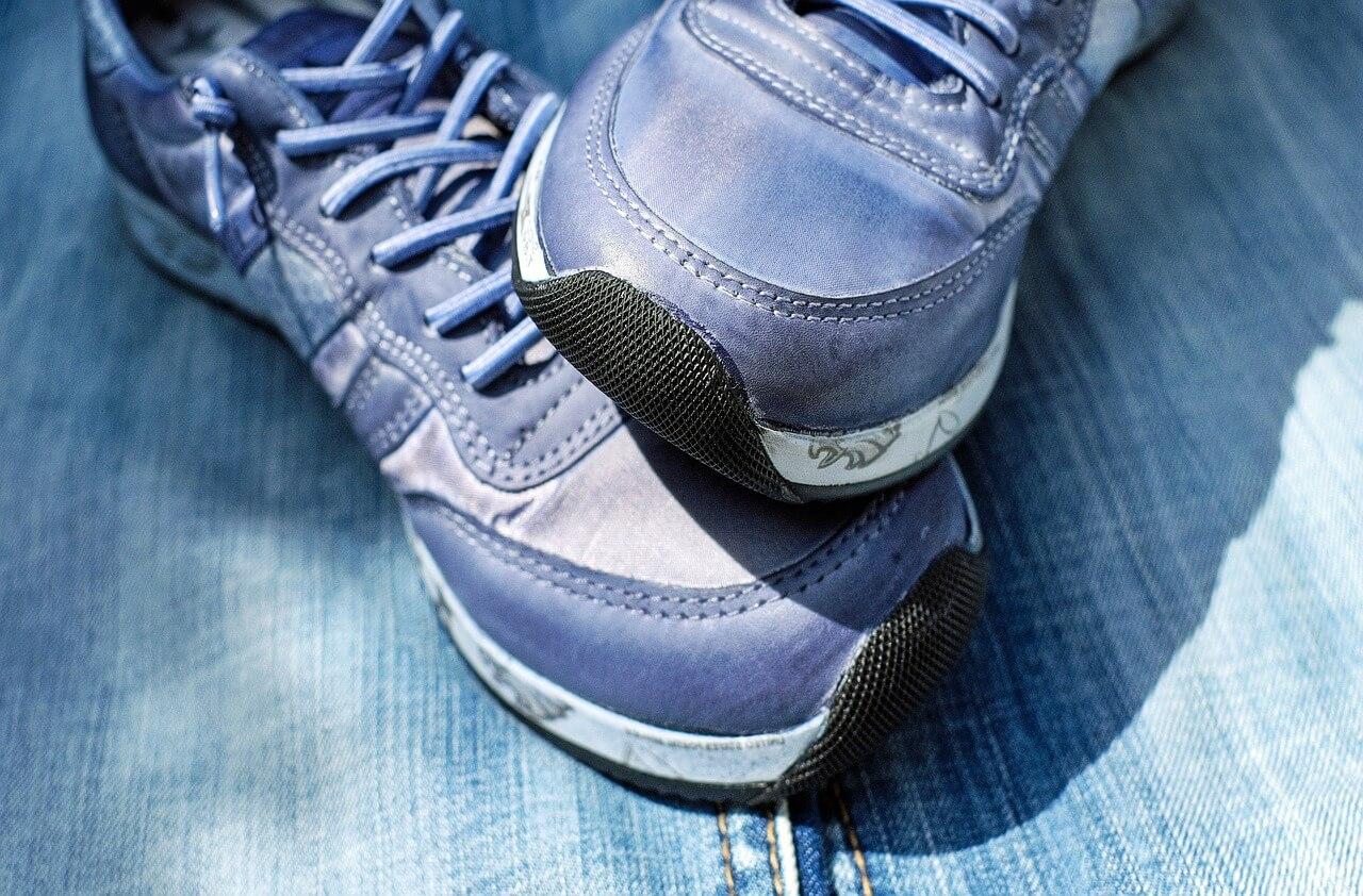 sport-shoe-1470189_1280